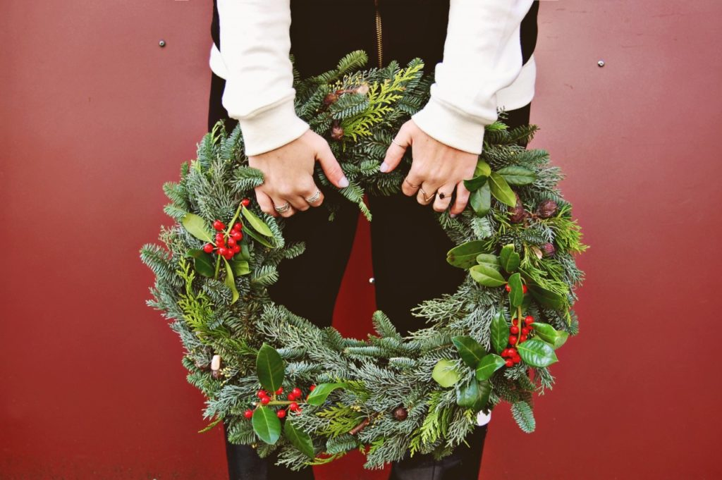 helene-wreath-color