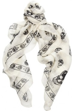 Alexander McQueen Skull scarf, silk scarf, designer scarf, summer scarf,  Miranda Kerr, mulberry scarf,helenhou, helen hou, the art of accessorizing, accessoriseart, celebrity style, street style, lookbook,