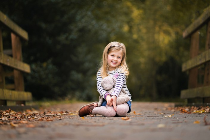 Qualified with the Guild of Photographers! Helen Rowan Photography photoshoot outdoors family natural chesterfield