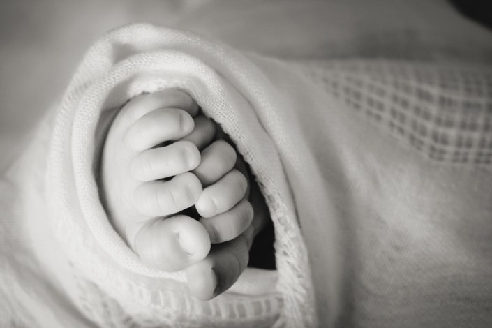Helen Rowan Photography Chesterfield Newborn Relaxed macro feet natural light