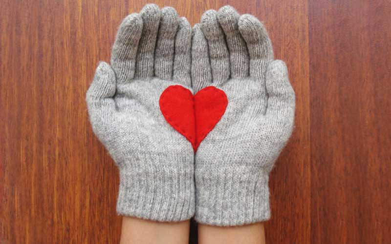DIY heart mittens