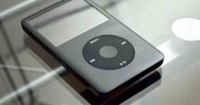 gray ipod classic
