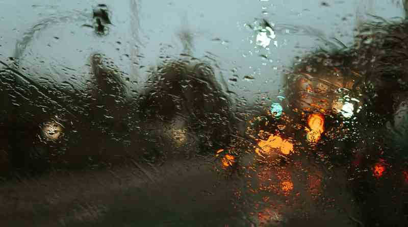 out of focus lights on rainy weather