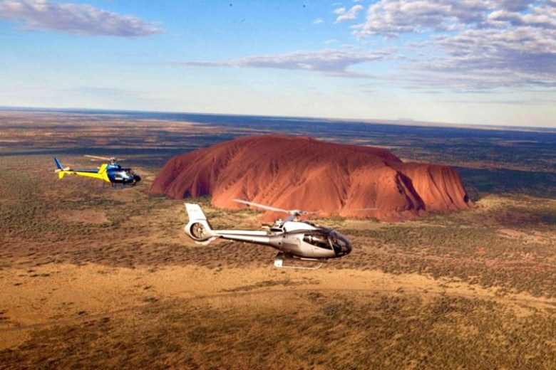 Helicopter tour to Uluru and Kata Tjuta