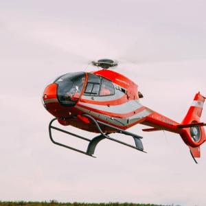 Rondvlucht helikopter 4 personen – 30 minuten – in EC120B