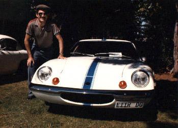 Ο Αnthony με ένα από τα αυτοκίνητα της συλλογής του - 1985