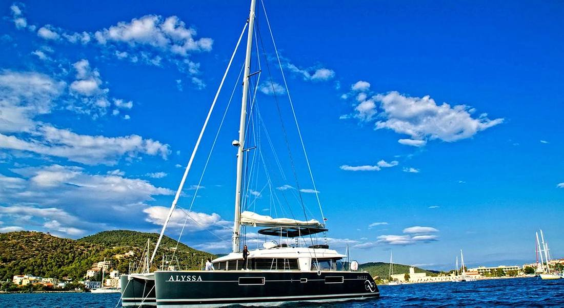 ALYSSA - Crewed Charter Catamarans Greece - HELLAS YACHTING