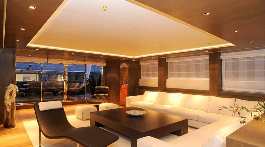 LUXURIOUS-YACHT-CHARTER-AQUA-10