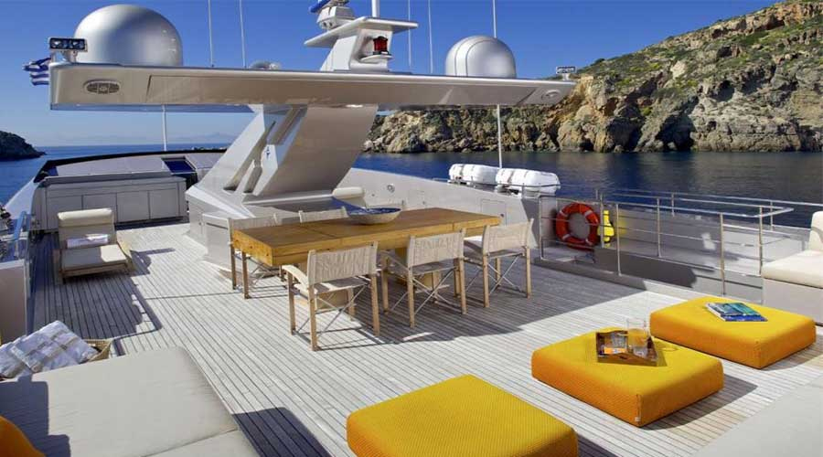 LUXURIOUS-YACHT-CHARTER-AQUA-20