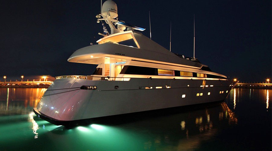 LUXURY-YACHT-CHARTER-GREECE-MABROOK-4