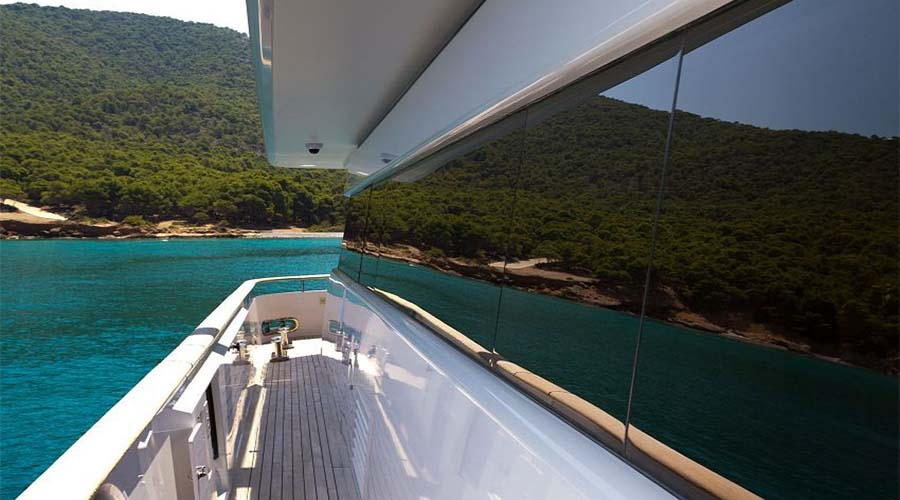 LUXURY-YACHT-CHARTER-GREECE-MABROOK-5