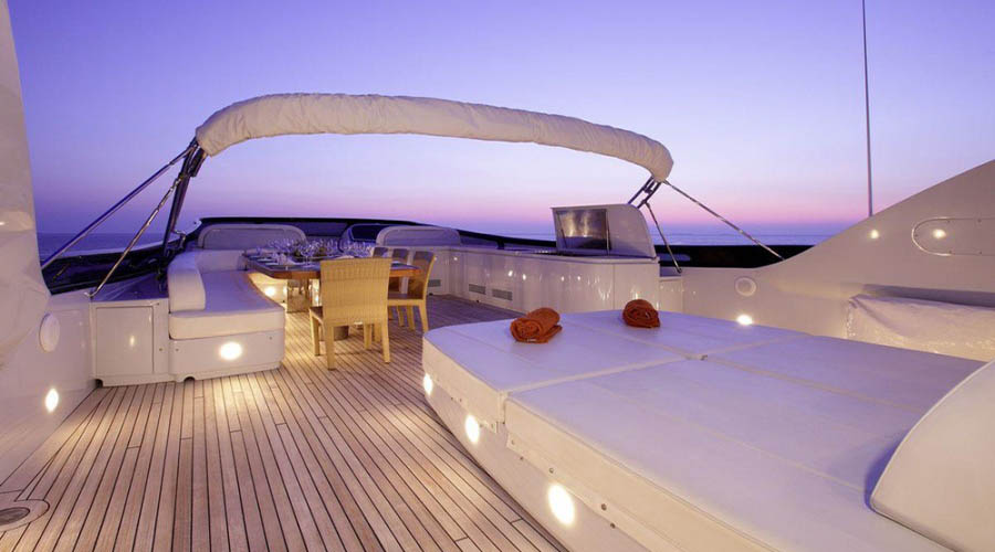 LUXURY-YACHT-GLAROS-1