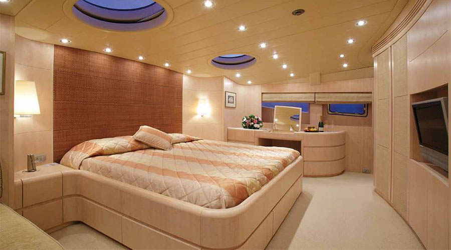 LUXURY-YACHT-GLAROS-16
