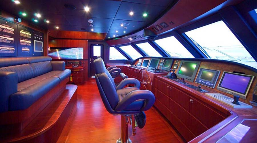LUXURY-YACHT-GLAROS-9