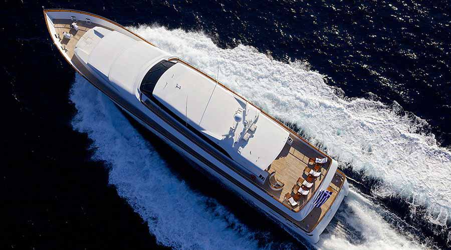 LUXURY-YACHT-LE-IT-BE-5