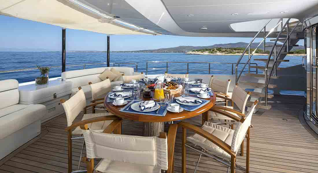 LUXURY-YACHT-L'EQUINOX-11