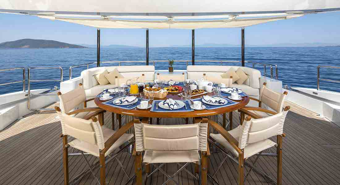 LUXURY-YACHT-L'EQUINOX-12