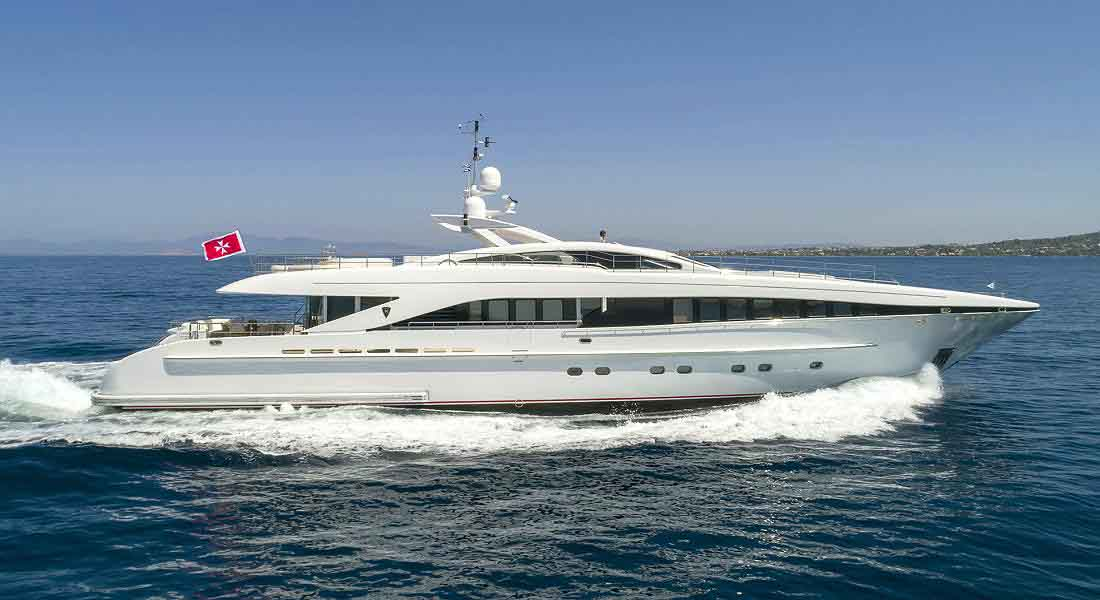 LUXURY-YACHT-L'EQUINOX-3