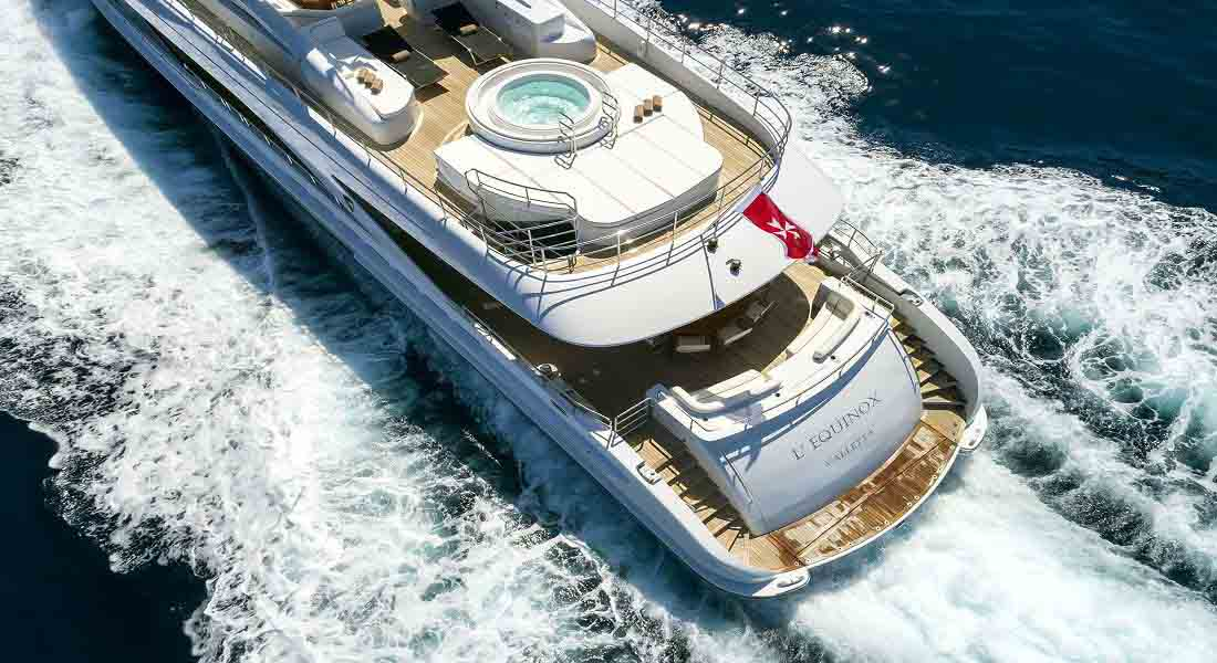 LUXURY-YACHT-L'EQUINOX-39