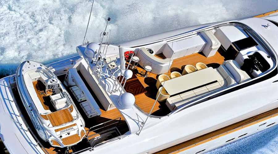 LUXURY-YACHT-PARIS-1