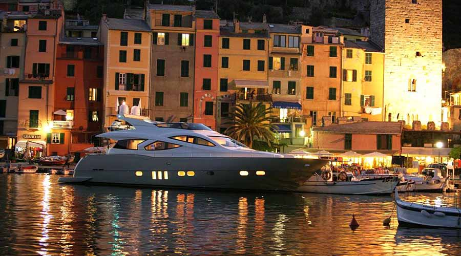 MOTOR-YACHT-BLUE-ANGEL-4