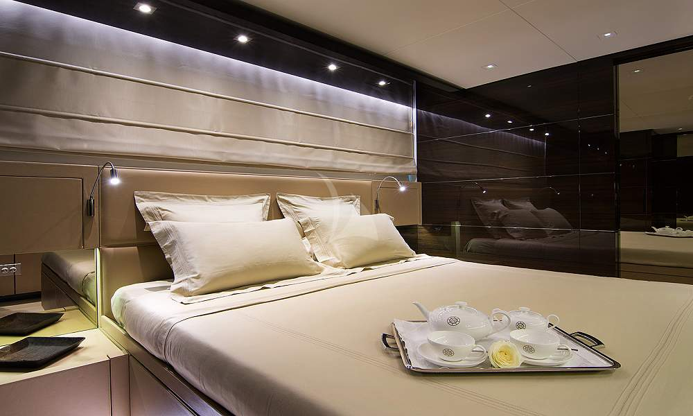 SOURAYA - Charter Motor Yacht in Greece - HELLAS YACHTING