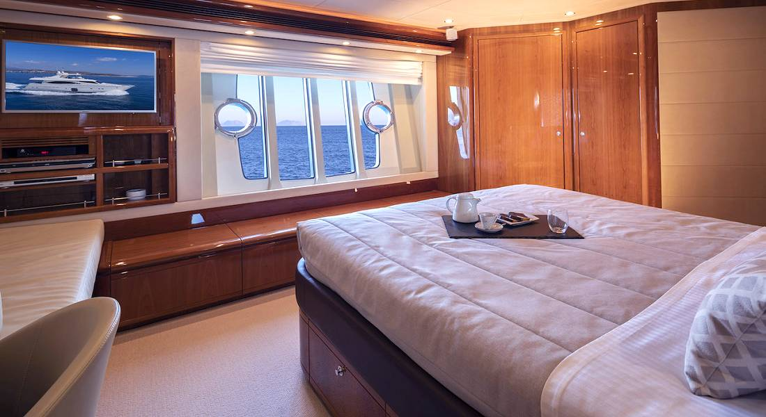 ASTARTE - Luxury Charter Motor Yacht Greece - HELLAS YACHTING