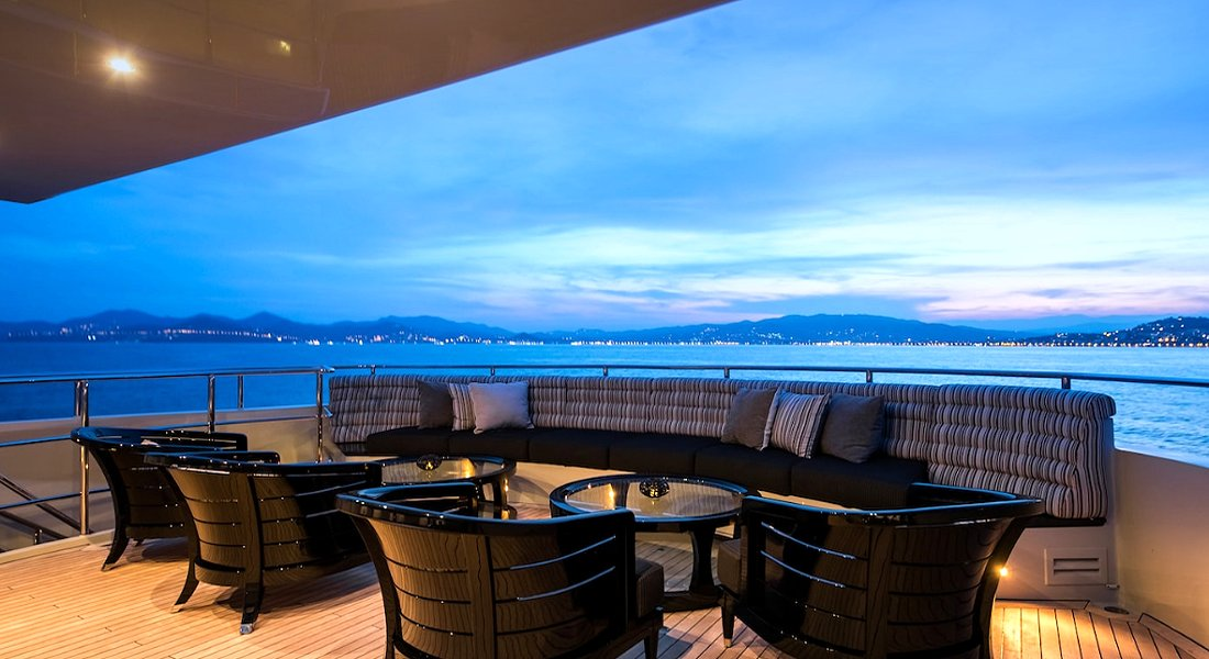 BLISS - Motor Yacht Charter in Greece - HELLAS YACHTING