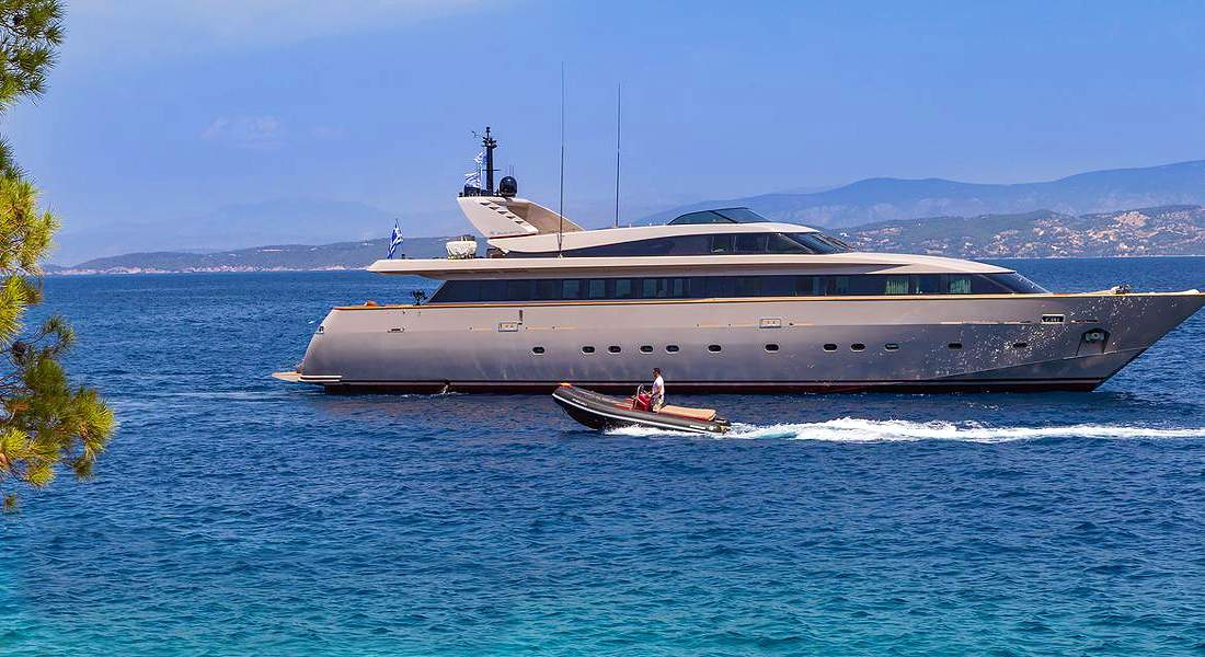 DALOLI - Charter Motor Yacht in Greece - HELLAS YACHTING