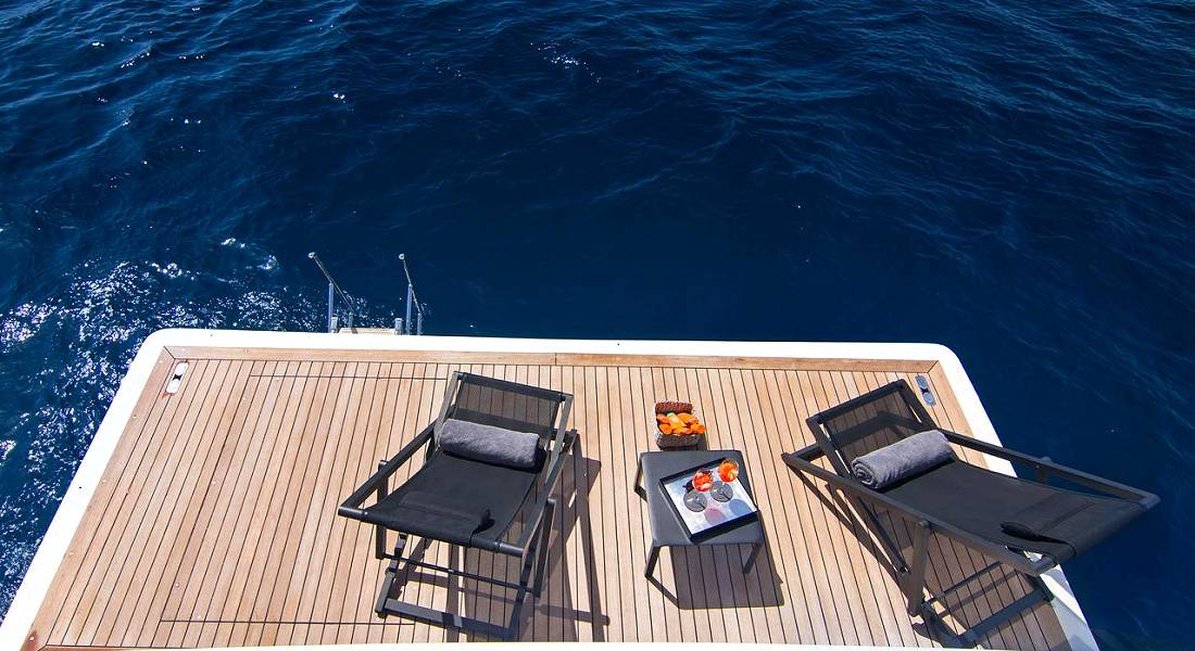 REGINA K - Motor Yacht Charter in Greece - HELLAS YACHTING