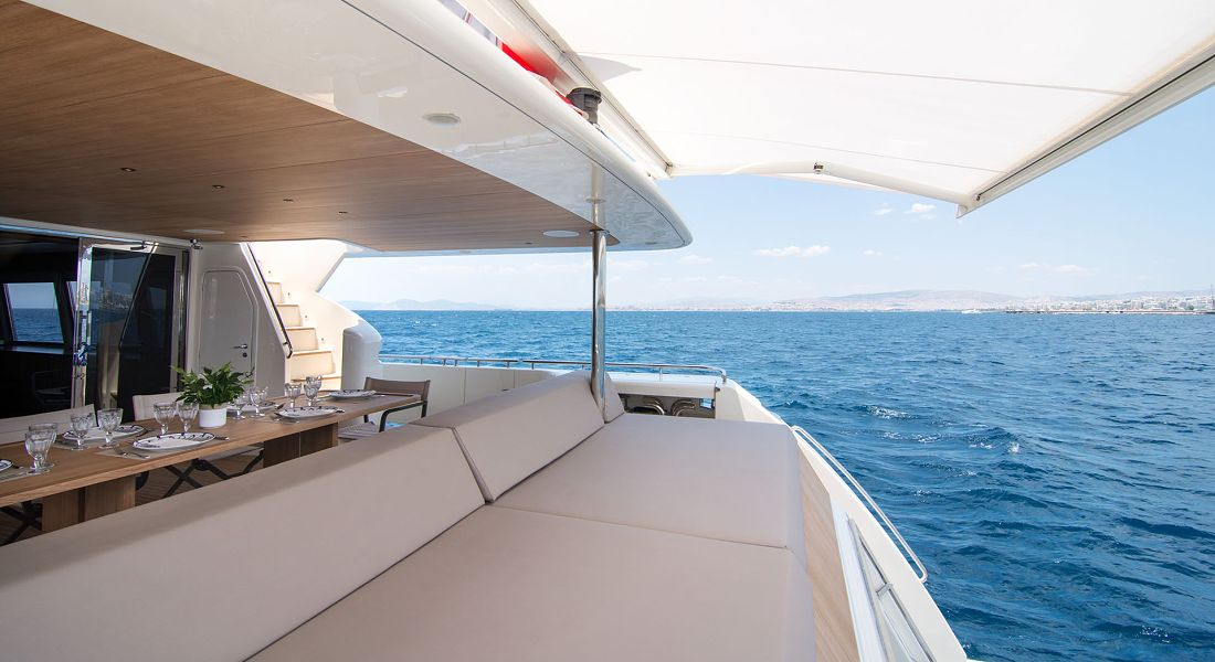 Motor Yacht WHISPER V for charter in Greece - HELLAS YACHTING