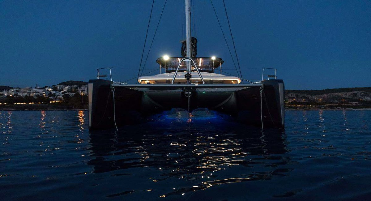 NOMAD Crewed Charter Catamaran in Greece - HELLAS YACHTING
