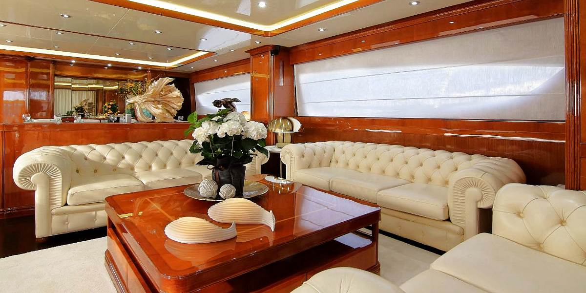 Motor Yacht ELVI for Charter in Greece with HELLAS YACHTING
