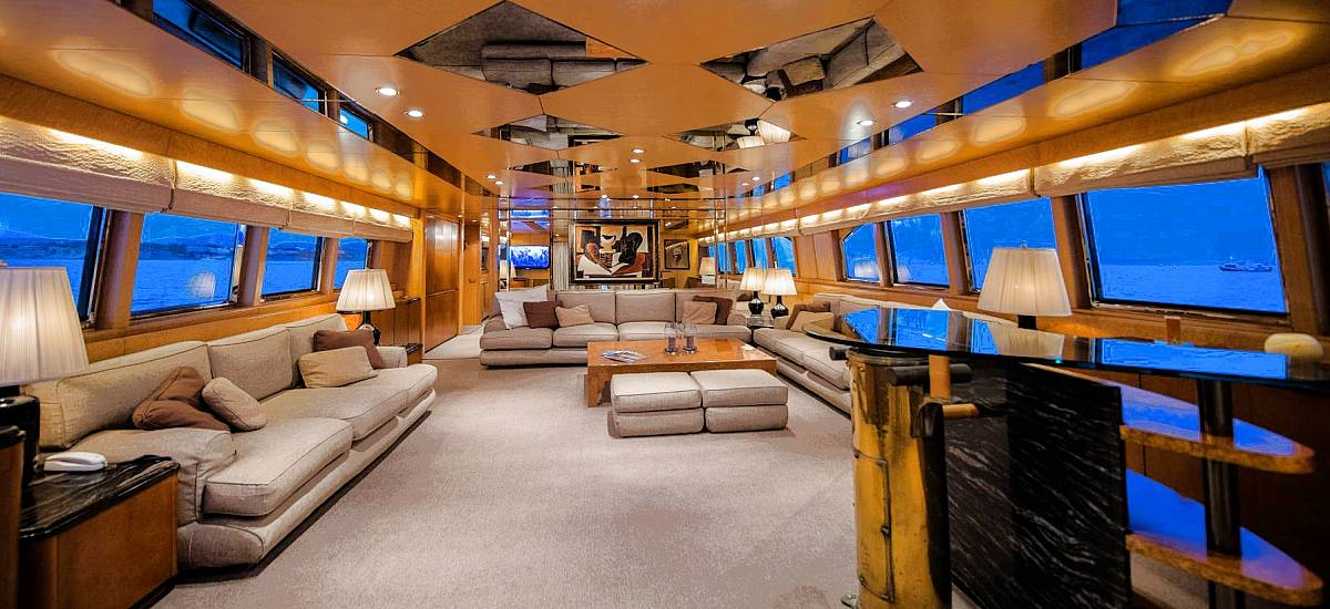 Motor Yacht ANDREA for Charter in Greece - HELLAS YACHTING