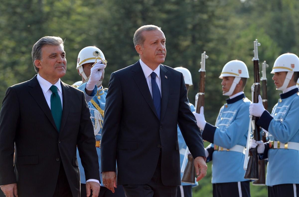 Ο Γκιούλ εκδικείται τον Ερντογάν: Έτοιμος να θέσει υποψηφιότητα για Πρόεδρος της Τουρκίας