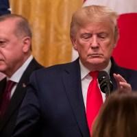 Εμπαίζει κι από πάνω τον Τραμπ ο Ερντογάν: Με το που βγήκε απ' το Λευκό Οίκο άρχισε να καταγγέλλει...