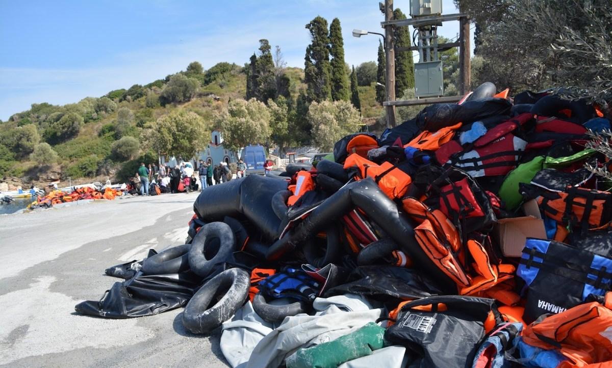 [:en]Shocking allegations by Mayor of Samos: The crime of faulty life jackets for refugees has to stop[:el]Καταγγελια-σοκ του δημαρχου Σαμου: Εγκλημα με ελαττωματικα σωσιβια[:]