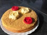 Kuchen mit Zuckerblumen