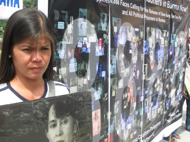 Protesting detention of prsioners of conscience