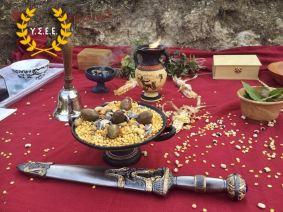 Opfergaben und Ritualschwert (Xífos)