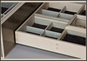 Holly Tray reflecting in french-polished Silver sycamore jewelry box