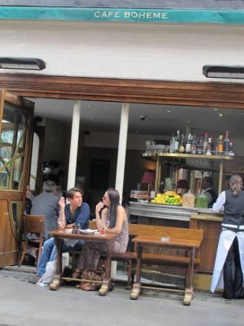 Café Boheme i Soho er en absolutt fabelaktig restaurant med gode bistro-retter til en fornuftig penge. Generelt er det veldig rimelig å spise ute i London om dagen. Det kan ha noe med at pundet er lavt og at tips som oftest er inkludert i prisen.