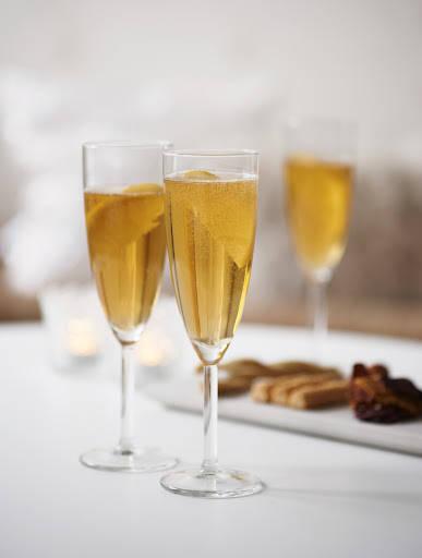 I kveld skal vi feire 15 fine år med en jubeldrink. Håper mange vil lage drinken til sin egen merkedag. Foto: Bjørgli&Bergersen