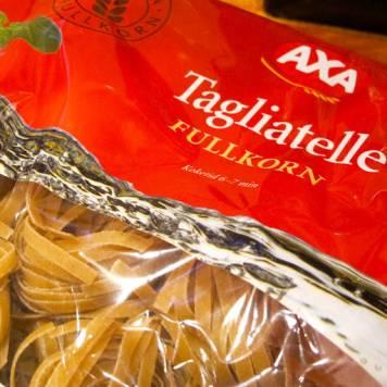 Fullkornspasta metter mer enn vanlig pasta og er et supert valg hvis du skal slanke deg.