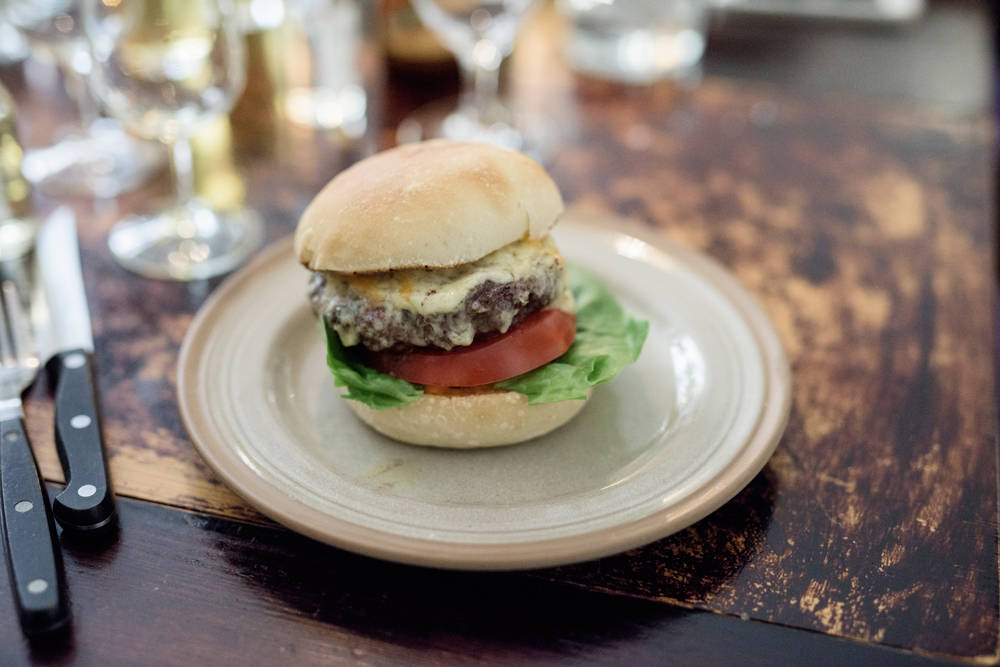 Burger – Smalhans style. (foto: Erik Five)