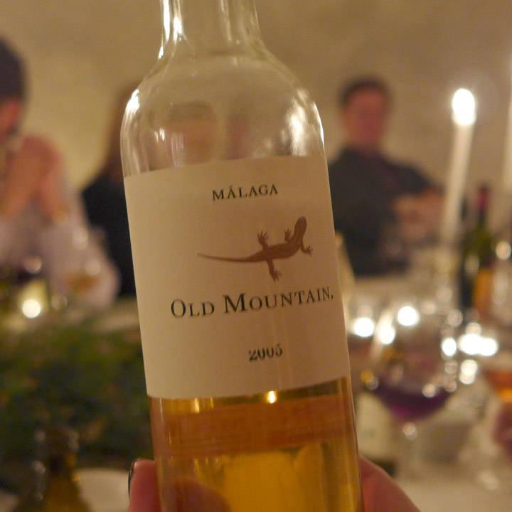 For en vin! Mostue Grape Selections (som leverte vin til denne kvelden) hadde bare 12 av disse flaskene. Vi drakk 3 av dem. Dette gå for å være en av de beste dessertvinene fra vinskaper Telmo Rodríguez.