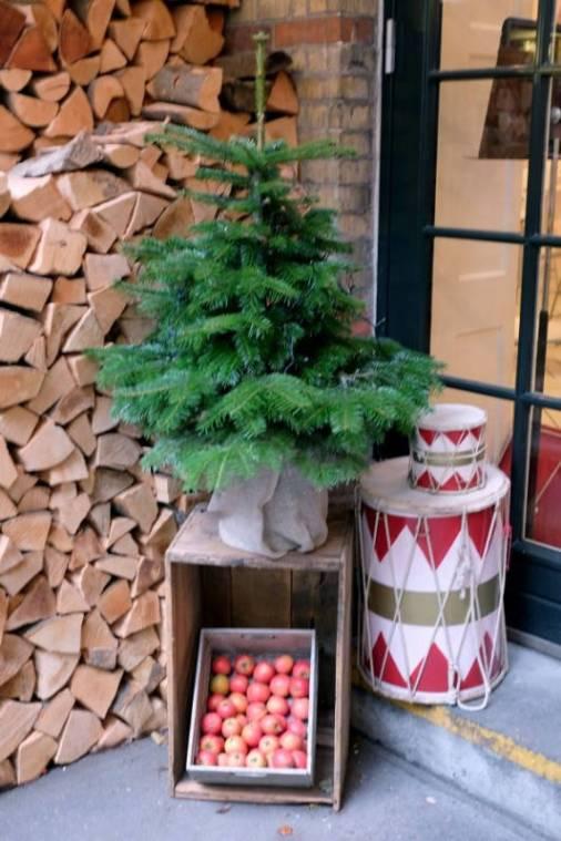 Hos Royal Smushi Café er det julepyntet.