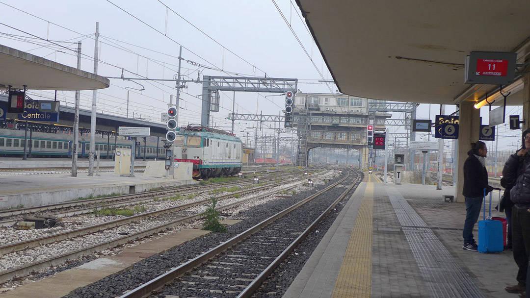 Togstasjonen i Bologna.