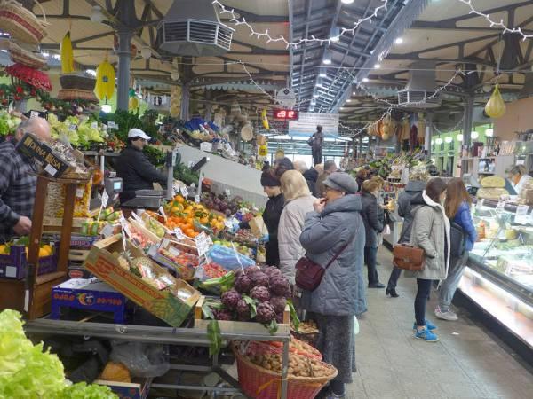 Matmarkedet i Modena.