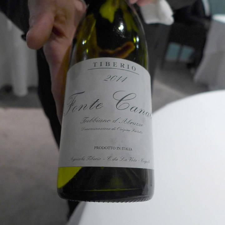 Denne vinen serveres til de to neste rettene.